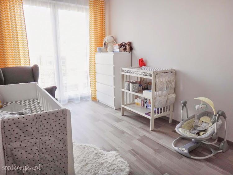 pokoik pokój dla dziecka dziecięcy chłopca biały szary żółty zygzak chevron gwiazdki