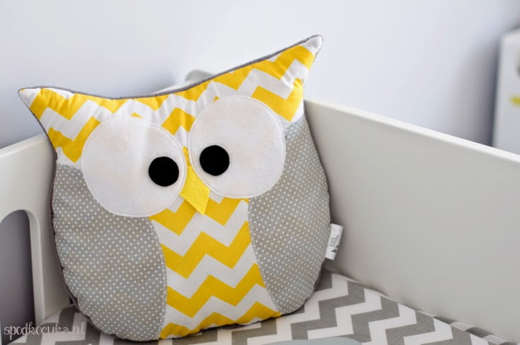 children's room theme owl owls zigzag chevron gray yellow