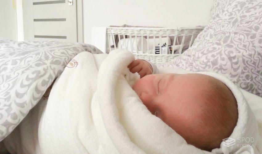SpodKocyka-Pod-czym-spi-dziecko-092847