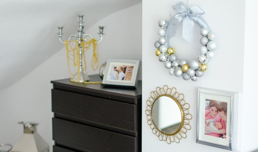 dekoracje świąteczne wianek bombki srebro złoto