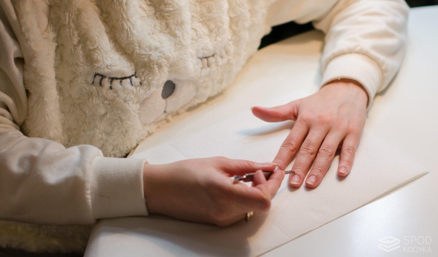 jak wykonać manicure hybrydowy krok po kroku
