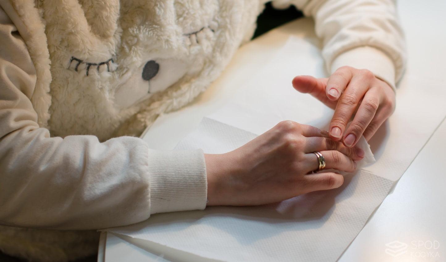 jak zrobić manicure hybrydowy