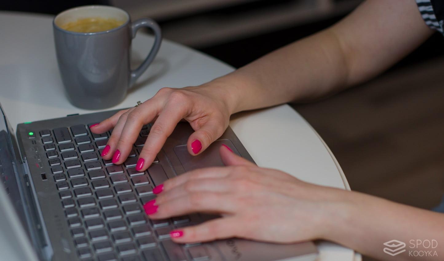 jak wykonać manicure hybrydowy w domu