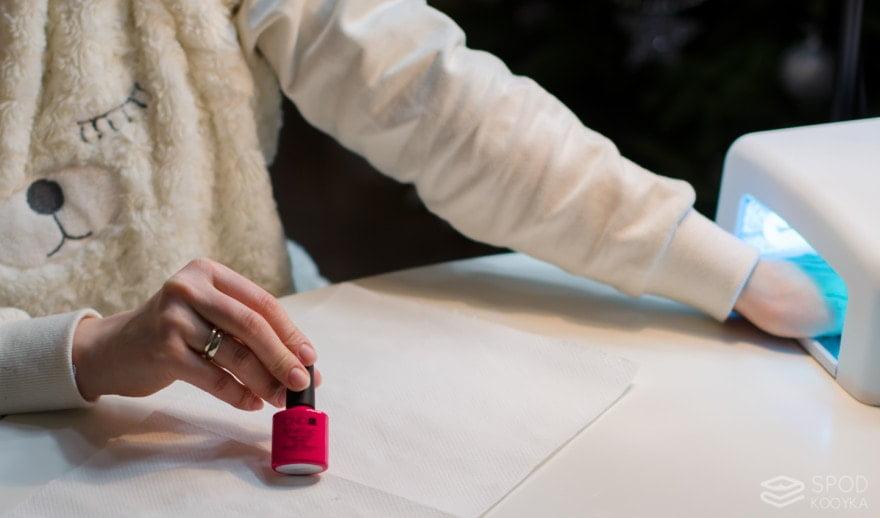 Step by step hybrid manicure