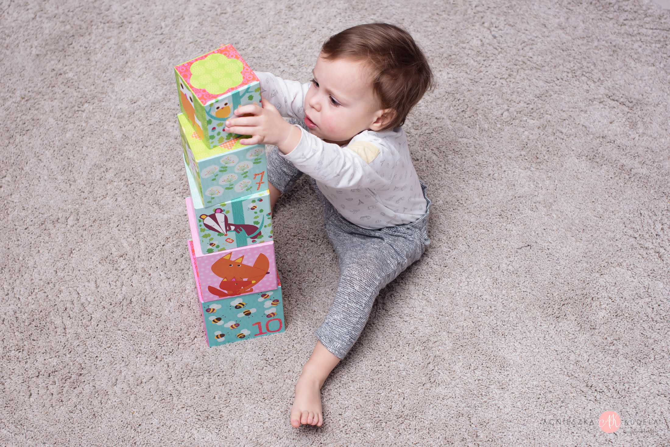 fajna zabawka edukacyjna dla dwulatka