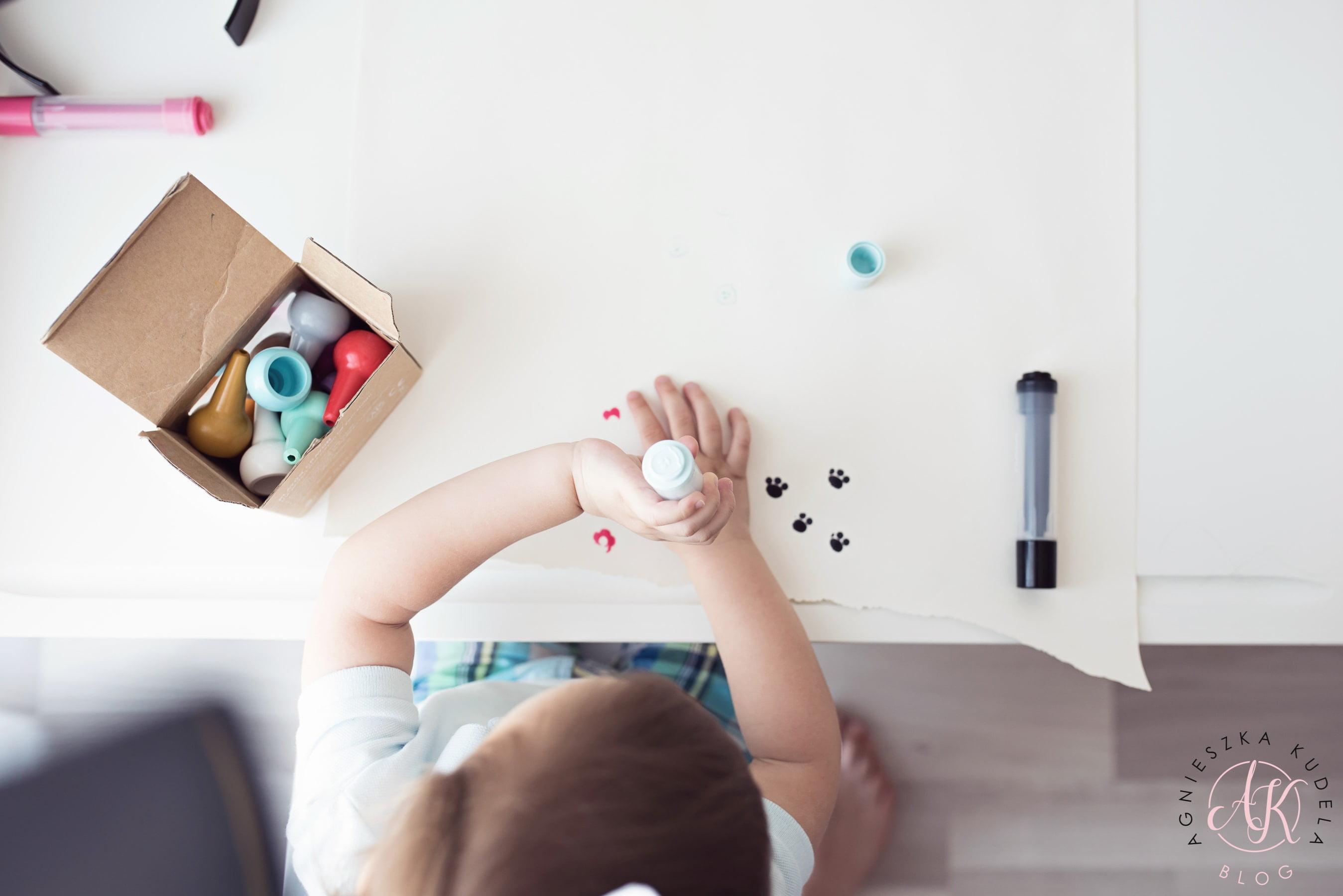pokój dziecięcy biurko