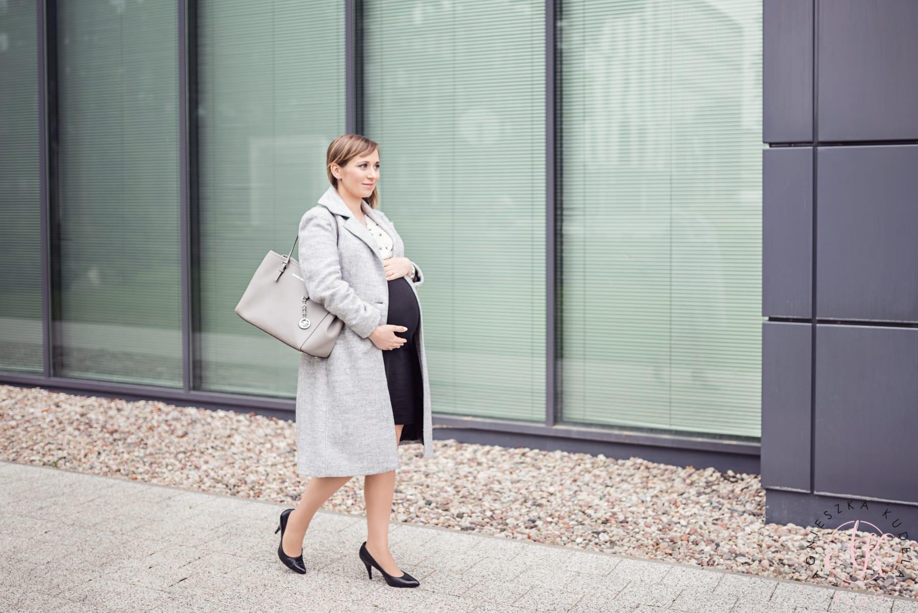 sukienka ciążowa biznesowa