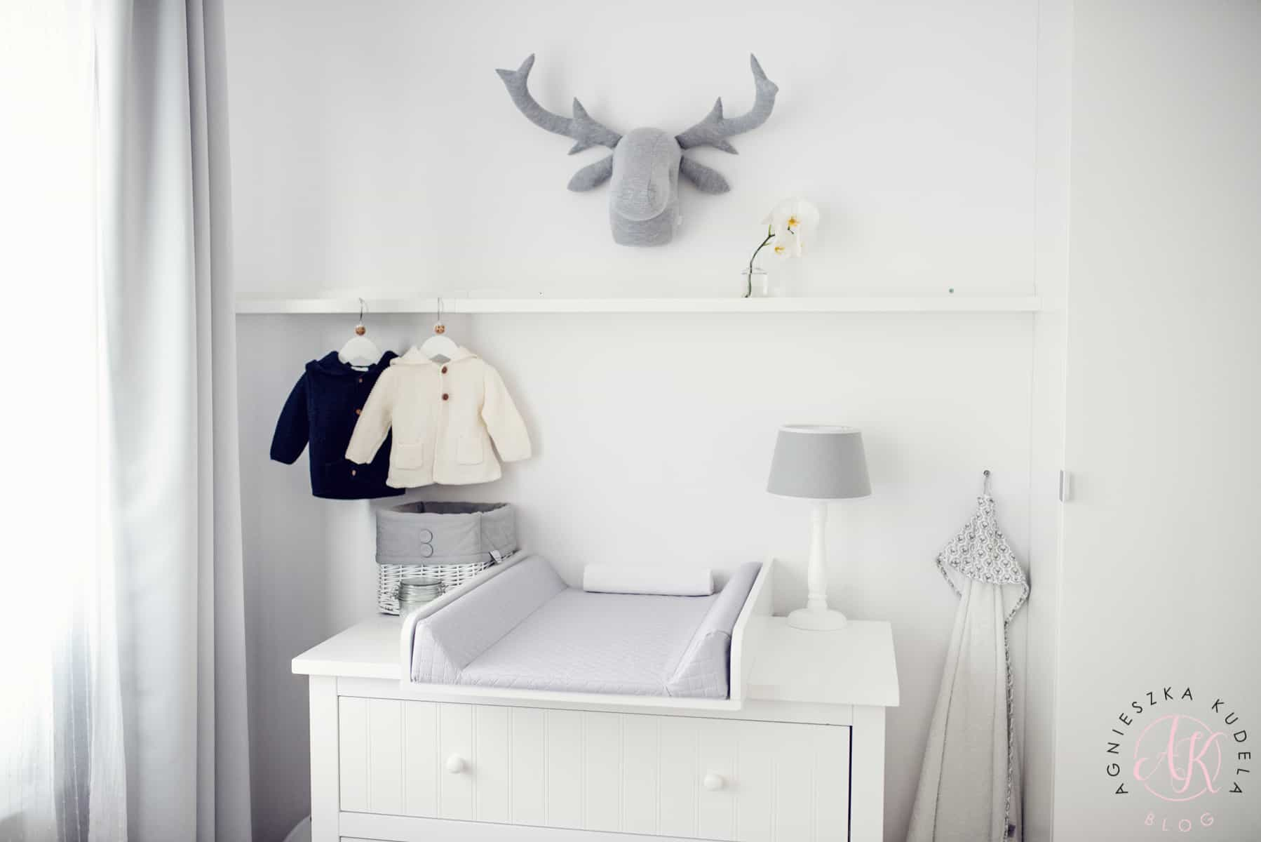pokój dziecięcy biało-szary