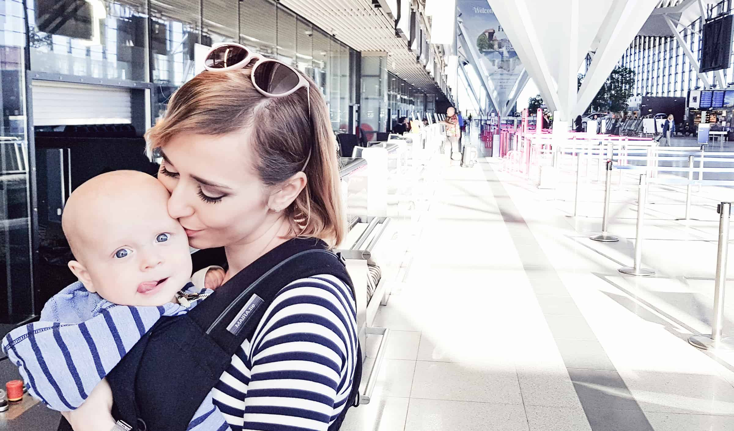 dziecko w samolocie podróż