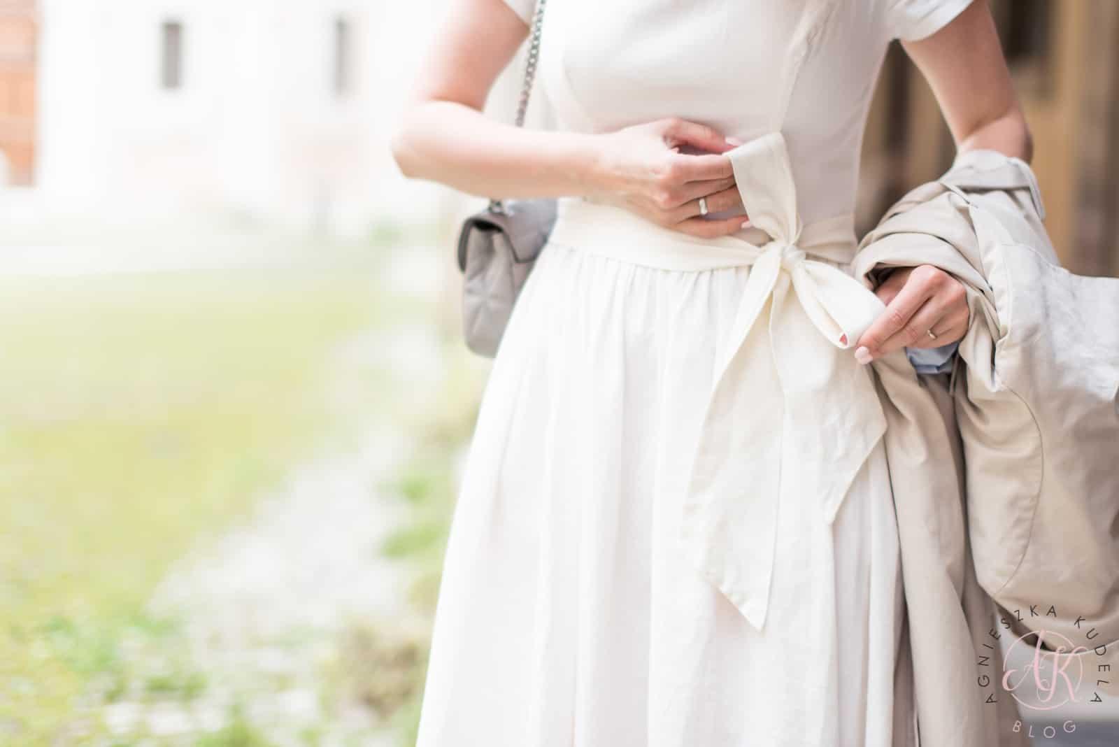 Beżowa sukienka Marie Zelie