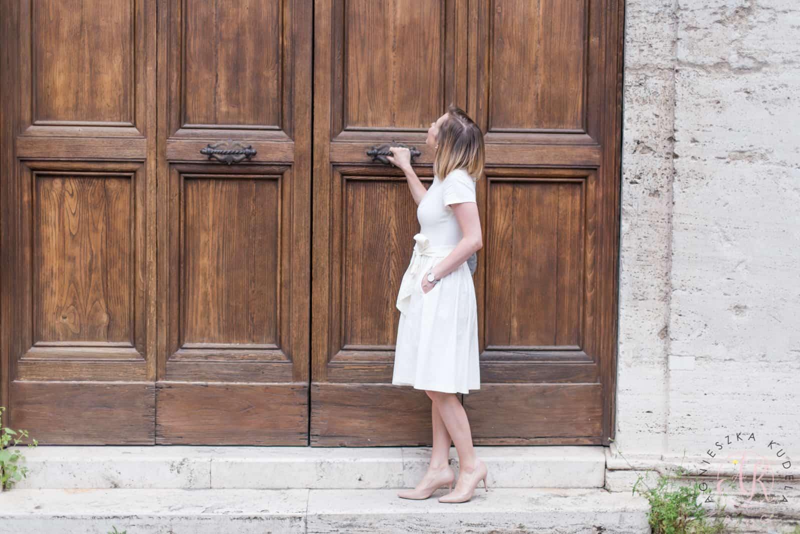 Blog parentingowy sukienka na chrzciny