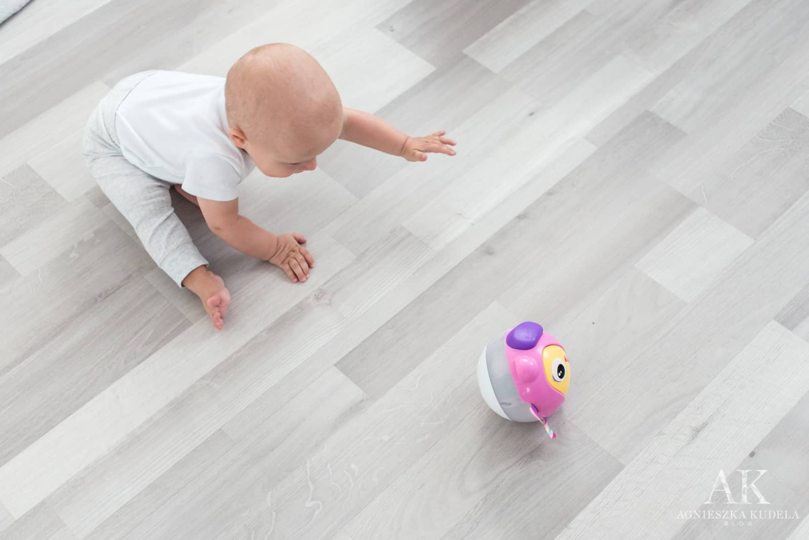 grająca kula dla niemowlaka