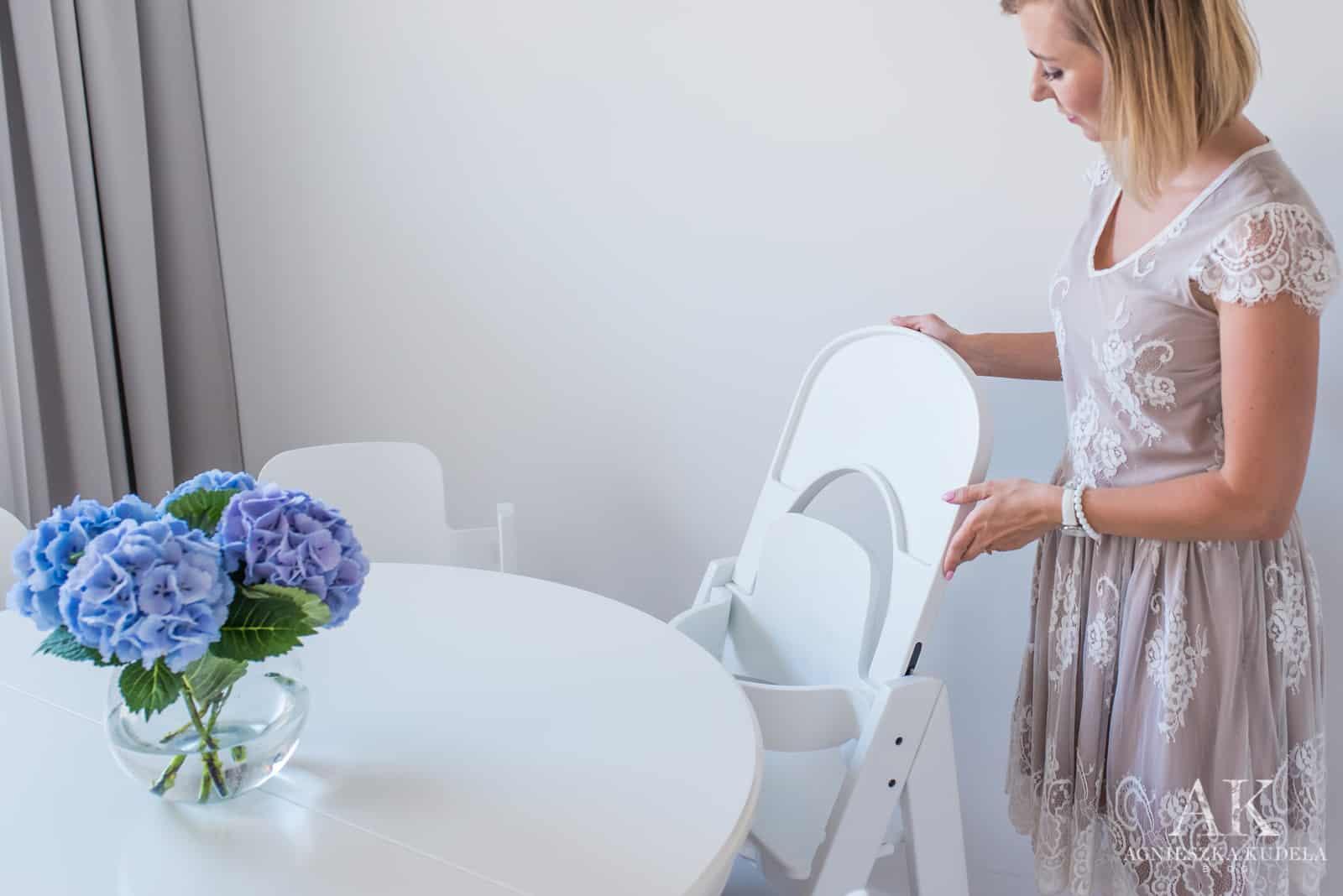 najlepsze białe drewniane krzesełko do karmienia