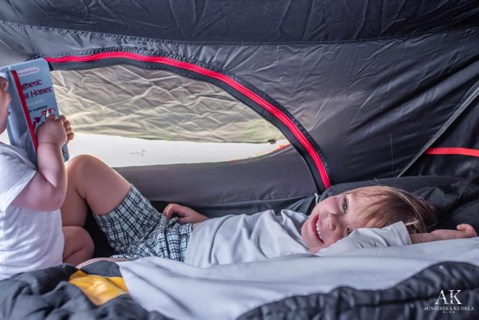 dmuchane łóżeczko turystyczne