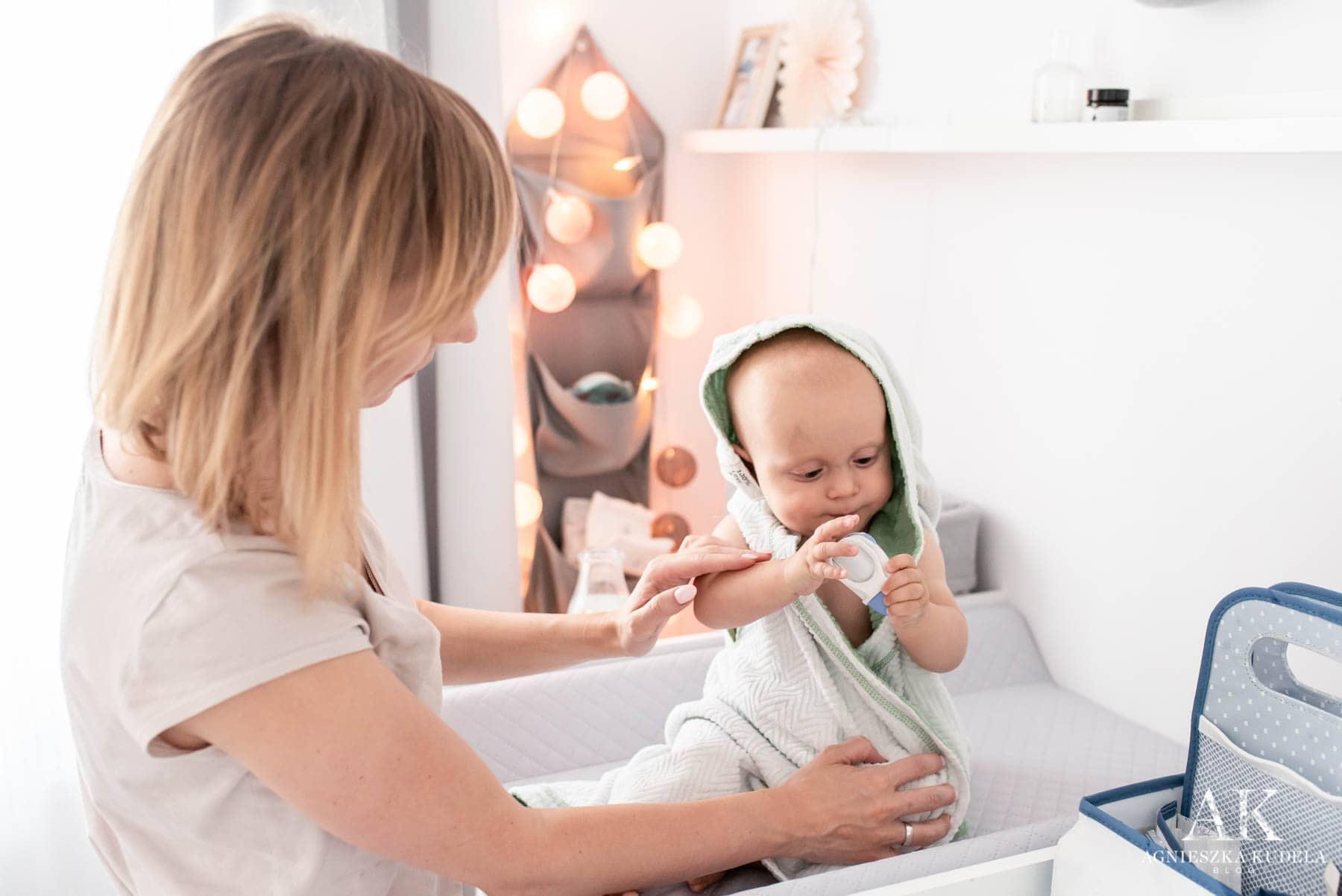 kąpiel niemowlaka kącik do przewijania