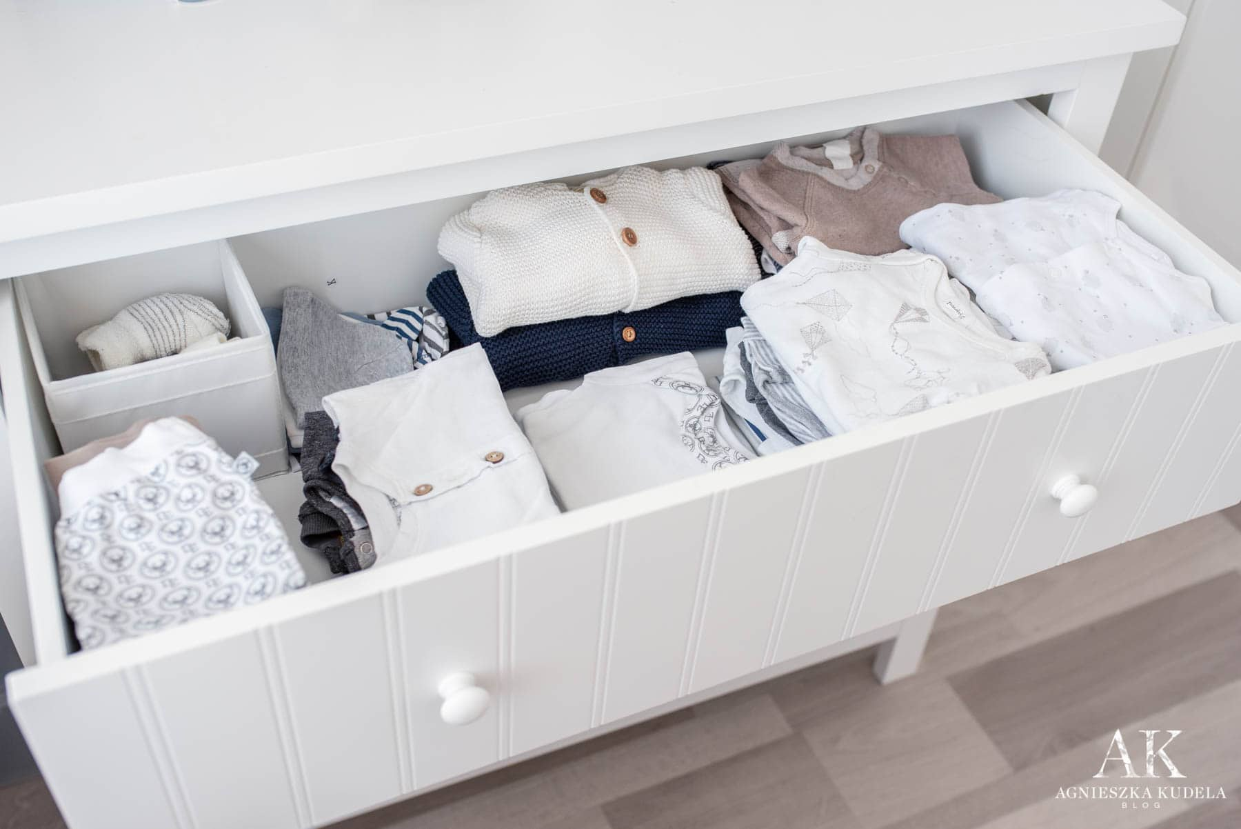 komoda dla dziecka jak ułożyć ubranka