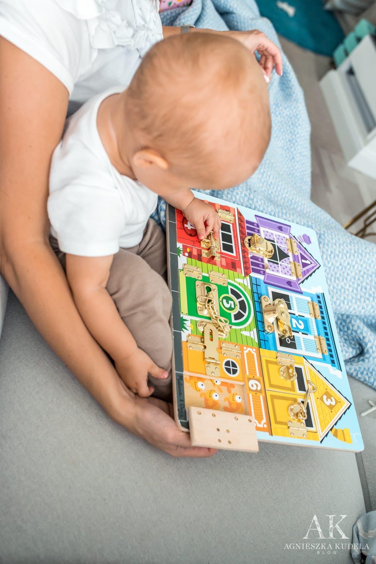 zabawki sensoryczne tablica sensoryczna