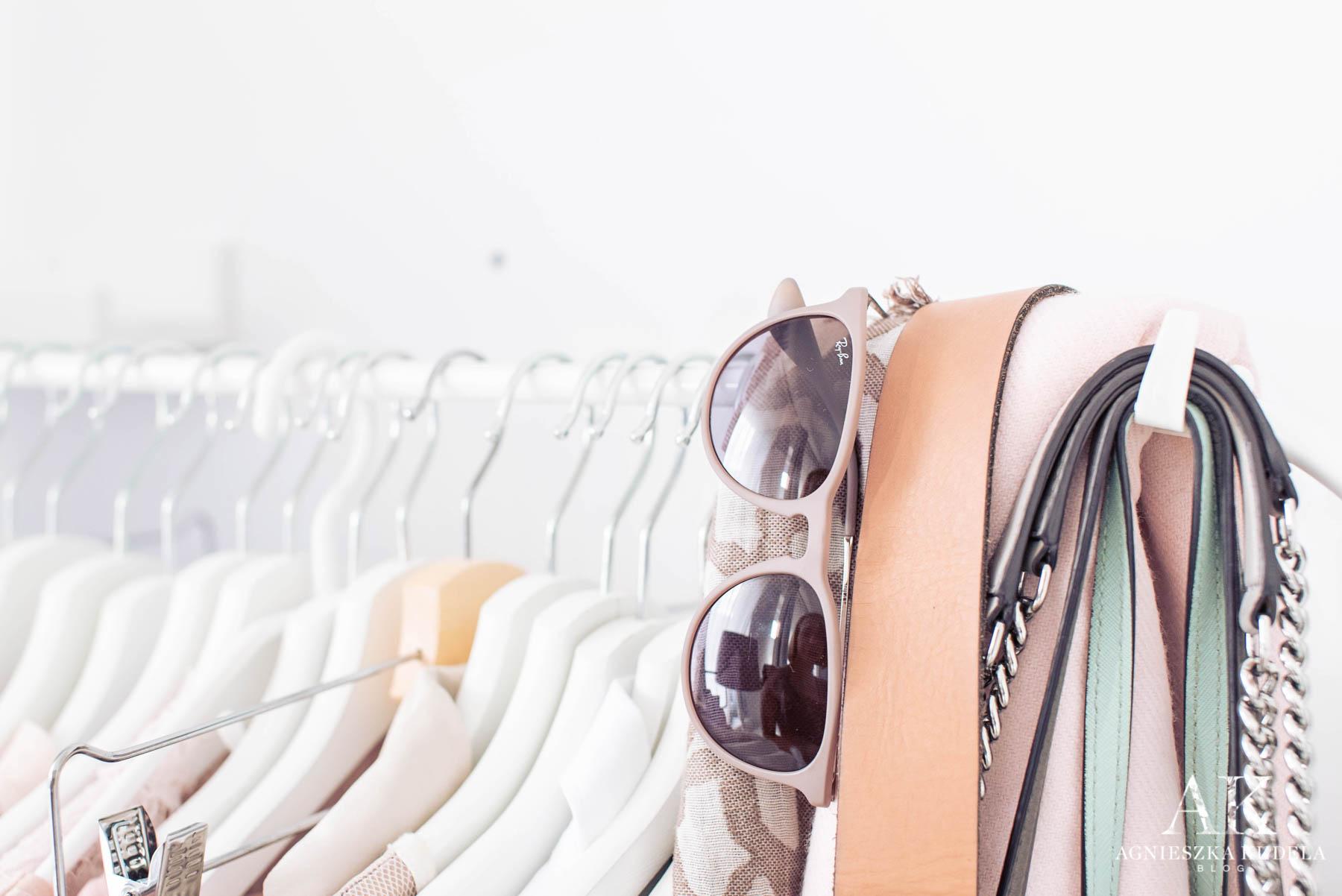 szafa kapsułowa okulary przeciwsłoneczne ray ban erika