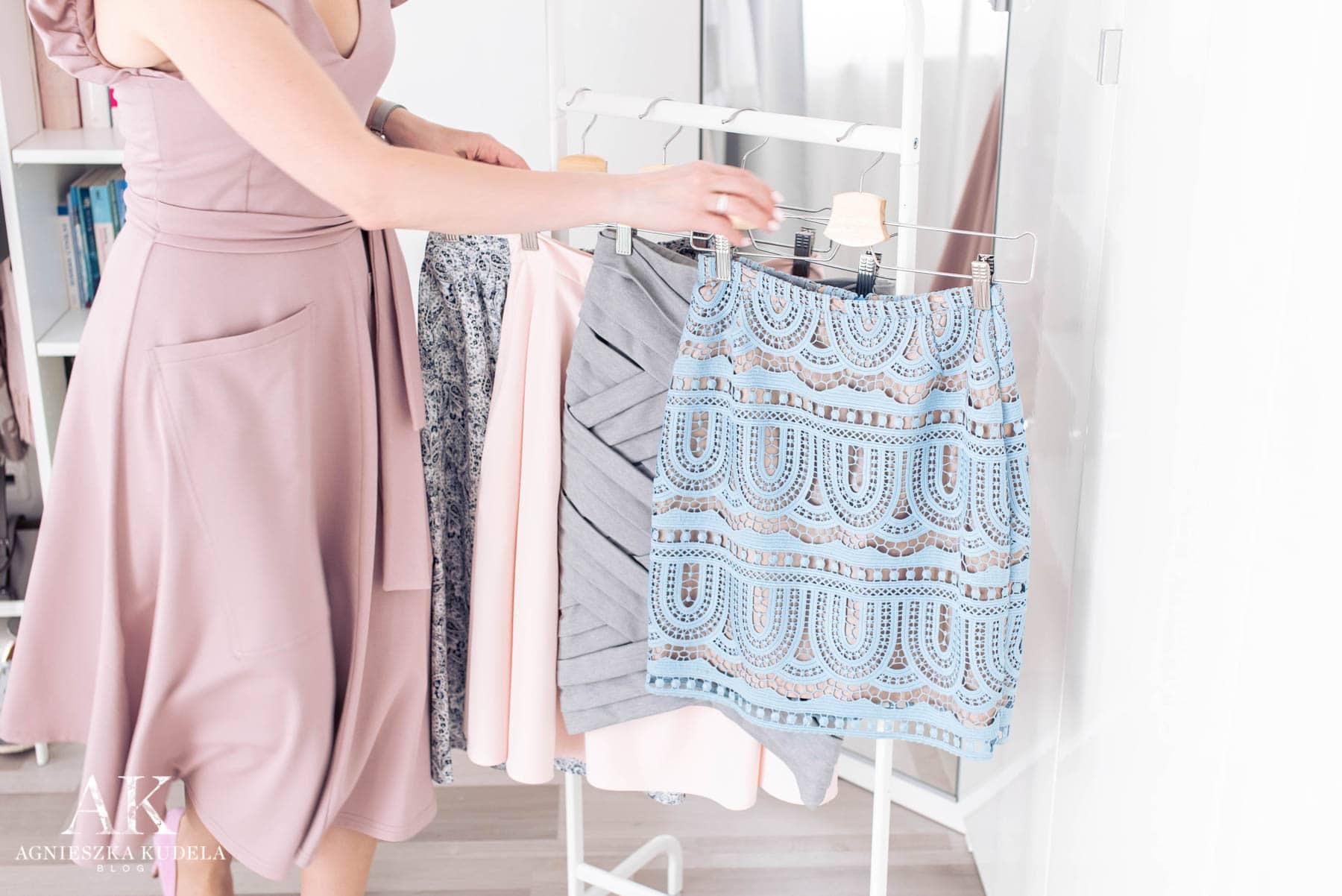 szafa kapsułowa spódnice