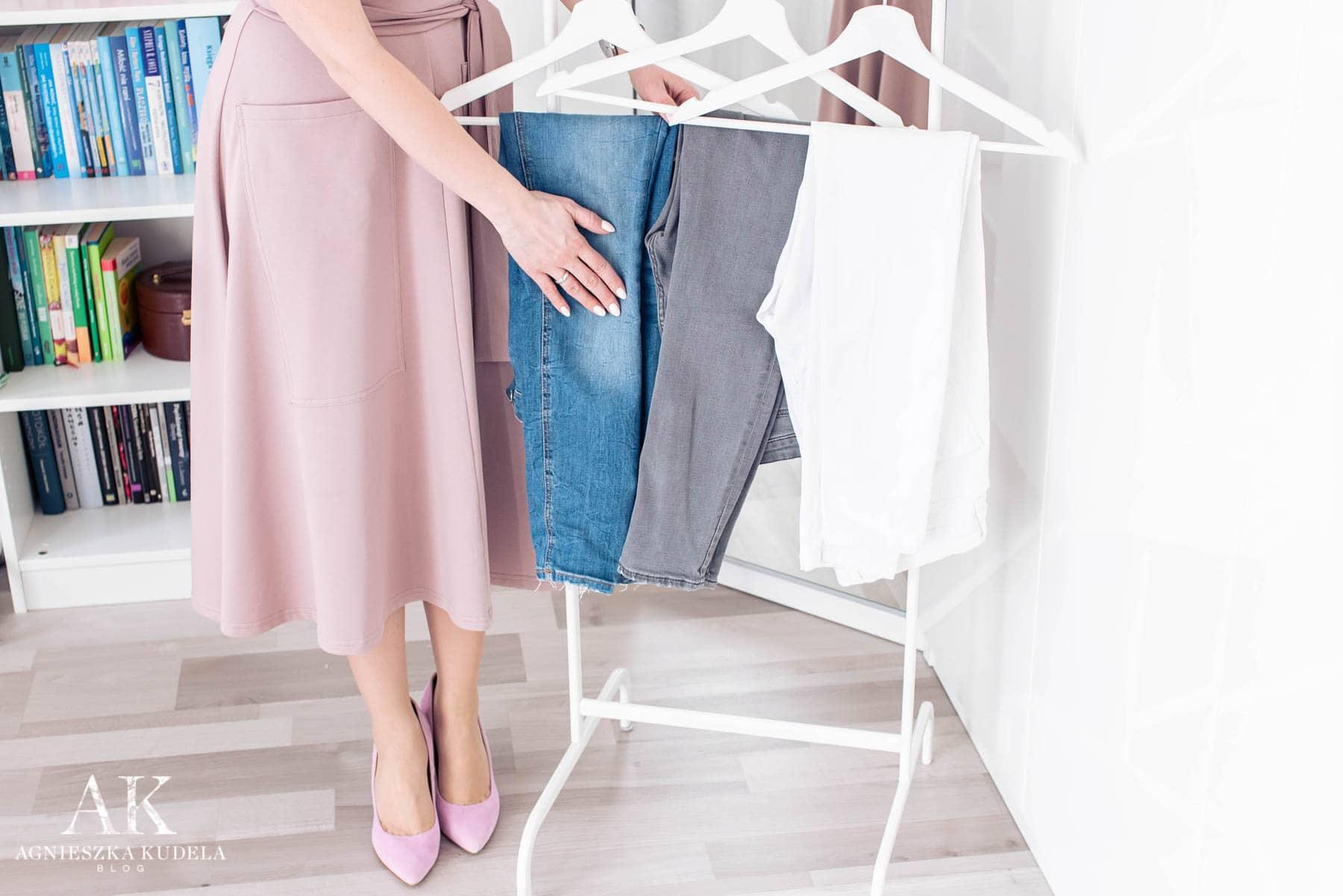 szafa kapsułowa spodnie