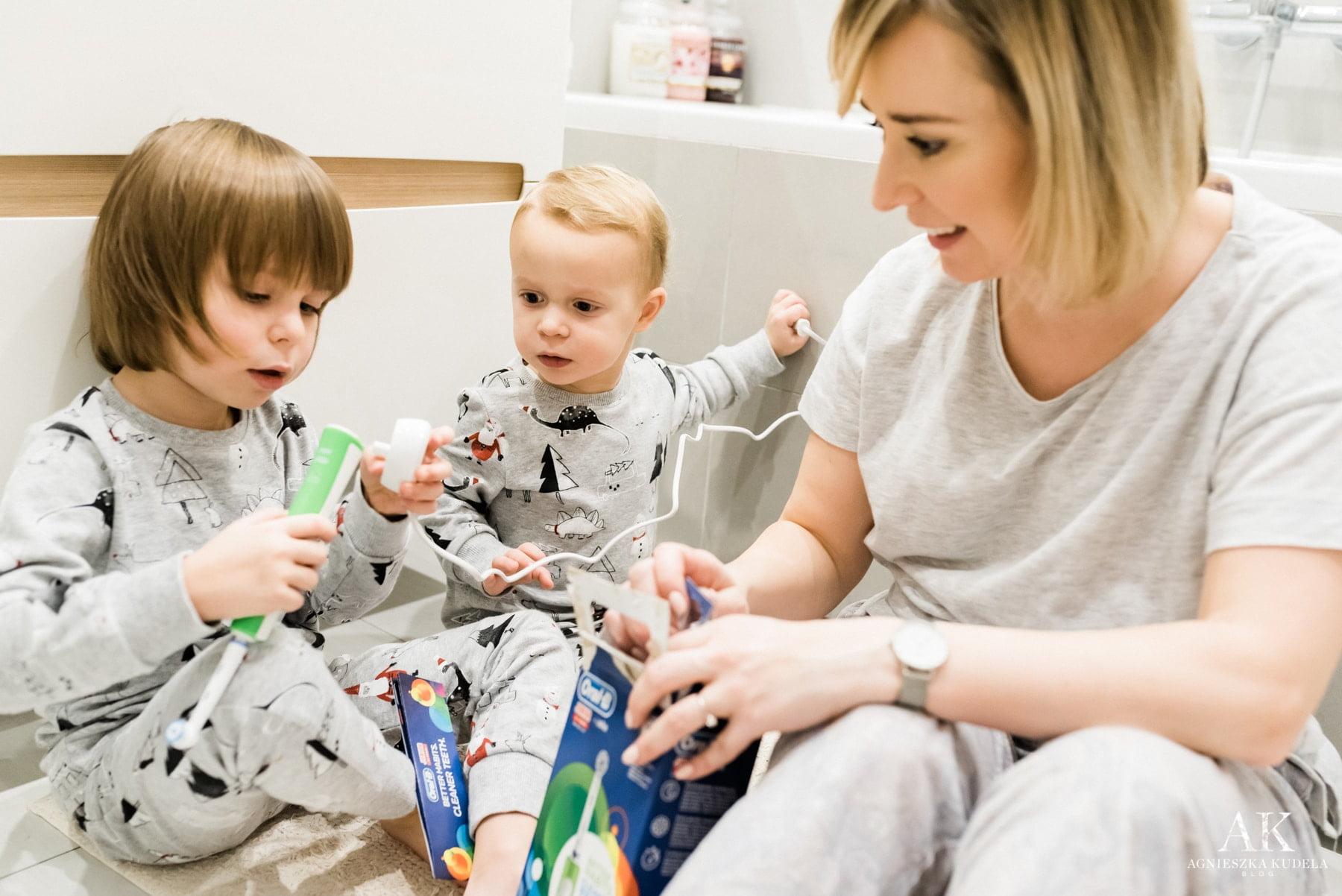 mycie zębów dzieci