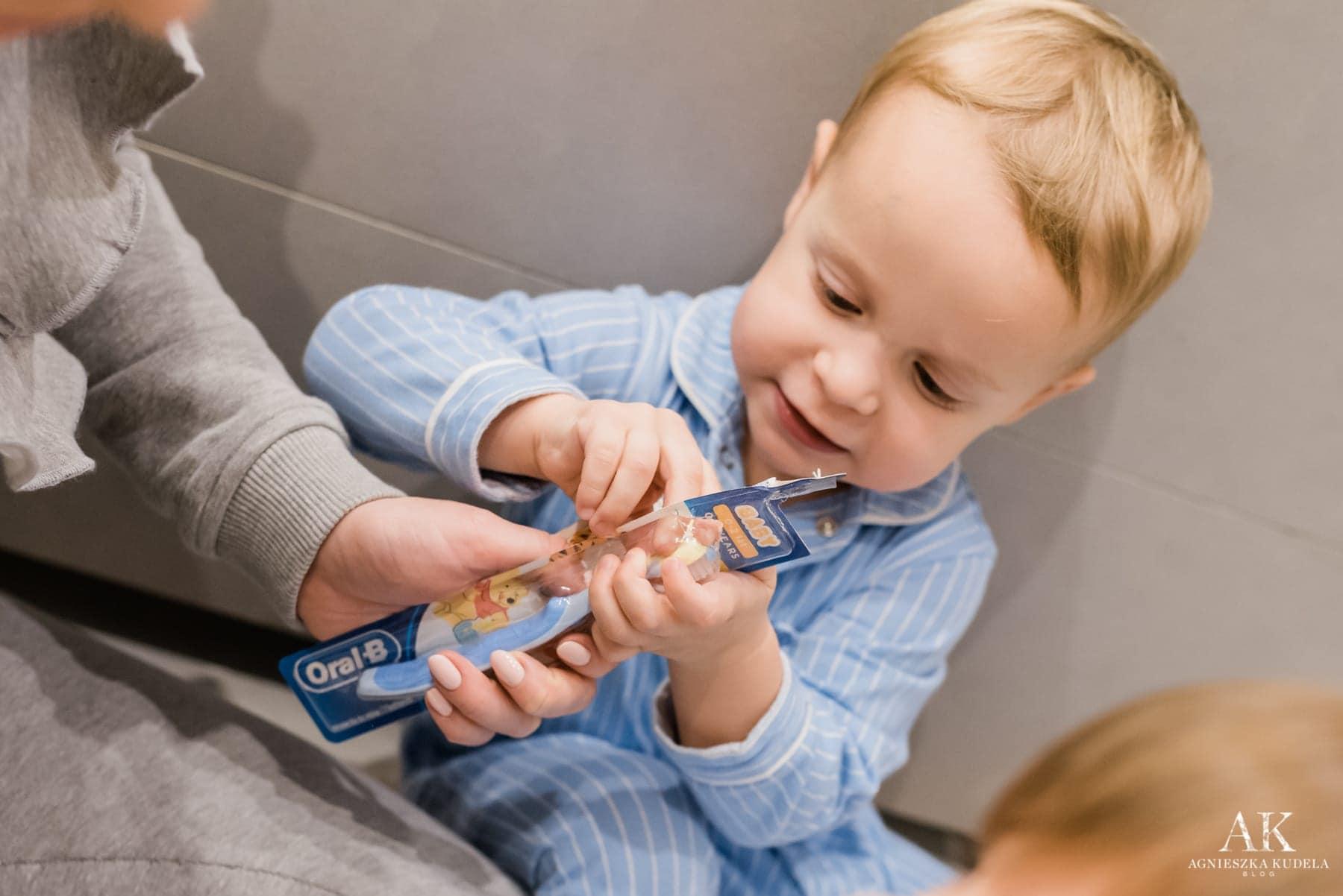 pierwsza szczoteczka do zębów oral-b