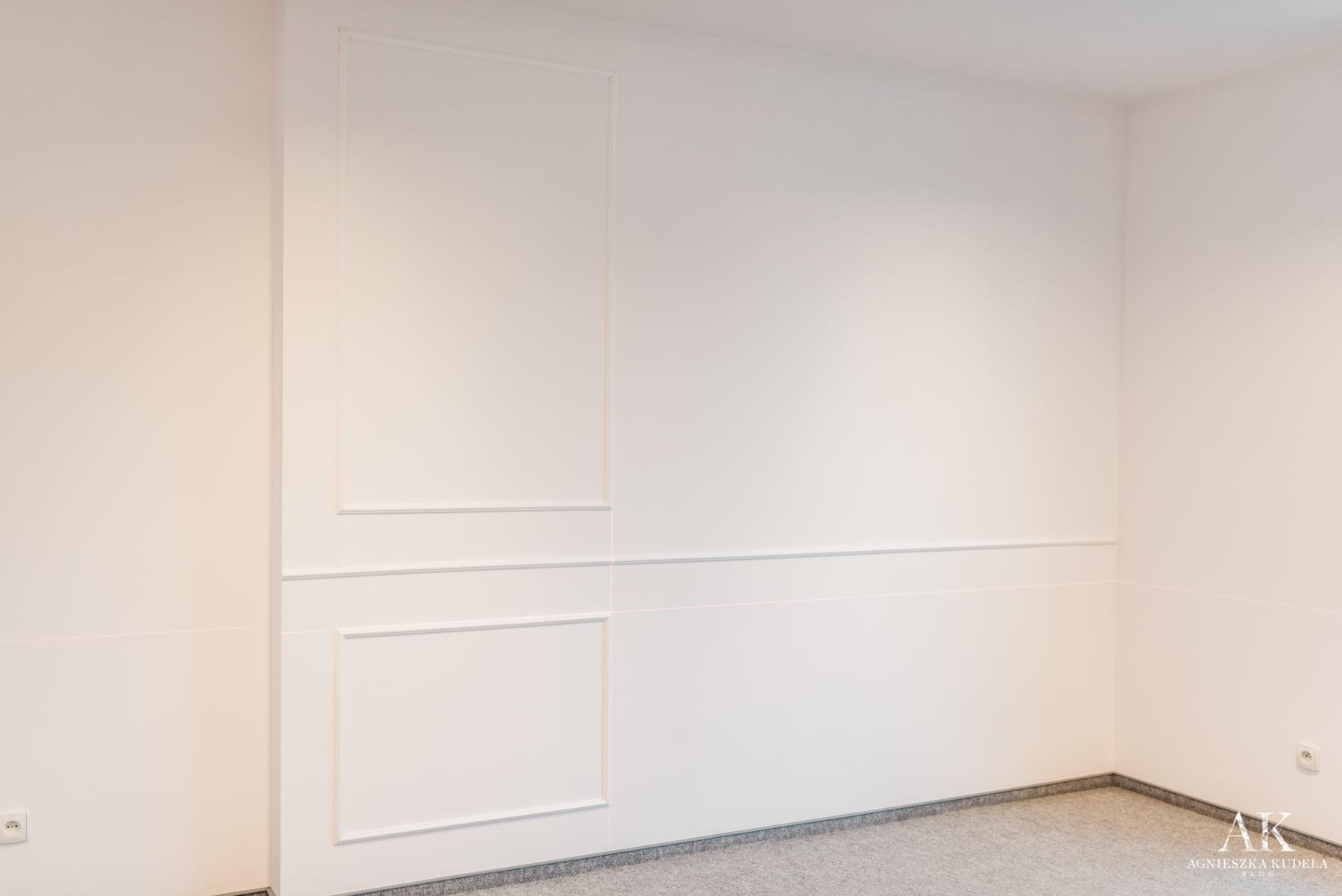 sztukateria w nowoczesnym salonie